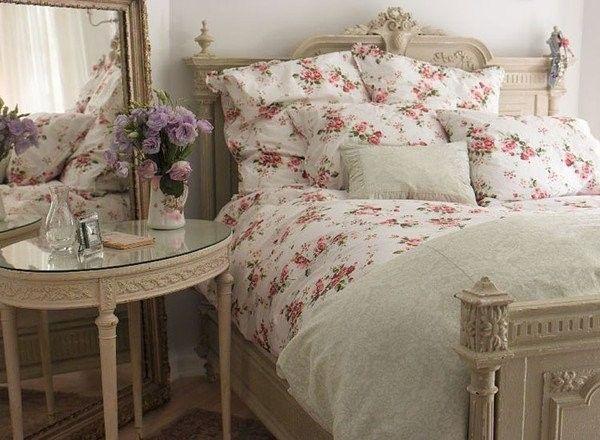 une jolie chambre coucher